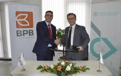 FKGK nënshkroi marrëveshjen për rritje të limitit për garanci me Bankën për Biznes